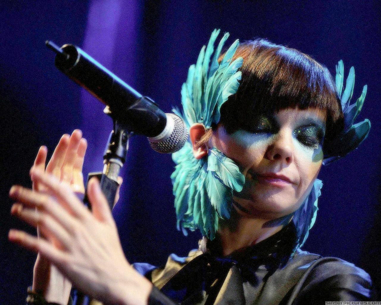 Björk - Enjoy